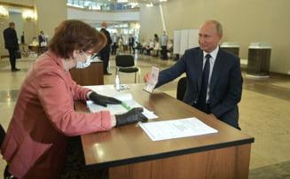 Rusii au votat cu o larga majoritate reformele constitutionale care i-ar permite presedintelui Putin sa ramana la putere pana in 2036