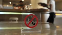 Rusii nu mai pot fuma in locuri publice