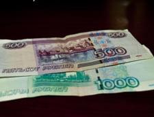 Rusii se lauda cu anexarea Crimeii pe noile bancnote de 100 de ruble