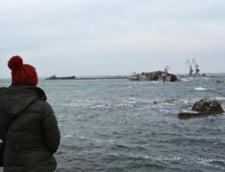 Rusii si-au scufundat trei nave pentru a bloca plecarea flotei ucrainene din Crimeea
