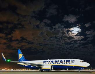 Ryanair anunta ca reduce salariile cu 50%
