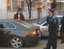 S-a blocat in masina ca sa nu ii fie confiscata de firma de leasing