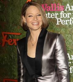 S-a casatorit Jodie Foster. Cine e aleasa (Foto)