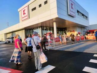S-a deschis noul Kaufland: Zeci de botosaneni au stat la coada pentru promotiile speciale - FOTO & VIDEO