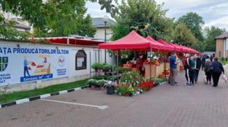 S-a deschis piata volanta de pe aleea Consiliului Judetean Olt. Deputatii PSD Iancu, Barbu, Chesnoiu si Albota, printre primii cumparatori