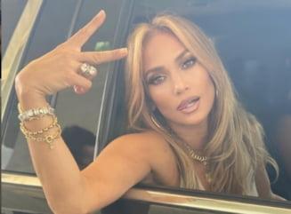 """S-a despartit de iubit si s-a aruncat in bratele """"fostului"""". Cine e barbatul care o consoleaza pe Jennifer Lopez"""