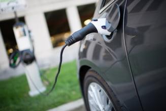 S-a inventat bateria minune pentru masinile electrice: Durata de viata, similara cu modelele de la automobile pe benzina VIDEO