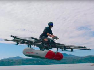 S-a lansat o masina zburatoare - Pana la sfarsitul anului va putea fi cumparata (Video)