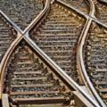 S-a semnat contractul pentru linia ferata Gara de Nord-Otopeni. Constructorul promite ca e gata pana la EURO 2020