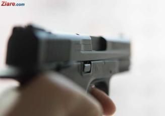 S-a sinucis soferul dupa care au tras politistii si au impuscat o femeie in cap