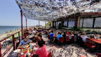 S-au inchis restaurantele si cafenelele din Vama Veche si 2 Mai, din cauza cresterii numarului de cazuri COVID-19