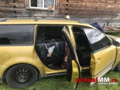 SI-AU ABANDONAT MARFA - O masina plina cu tigari de contrabanda a fost depistata de politisti la Berbesti