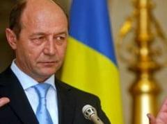SONDAJ IRES. Jumatate dintre romani apreciaza pactul de coabitare dintre Basescu si Ponta