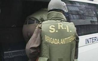SRI: Bagaj suspect intr-un autobuz din Capitala. O echipa pirotehnica se deplaseaza in zona Pietei Victoria
