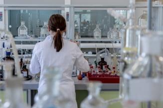 STUDIU: Vaccinul AstraZeneca este eficace si impotriva variantei din Brazilia a coronavirusului