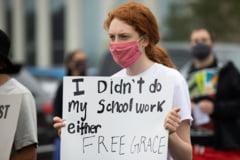 SUA, din nou in strada: O fata de 15 ani a fost trimisa la inchisoare pentru minori pentru ca nu si-a facut temele