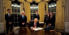 SUA au revocat peste 100.000 de vize de calatorie, in urma interdictiilor impuse de Trump