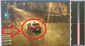 Sa-l facem VEDETA! Cine e taximetristul care a nu a oprit la accidentul cu Ambulanta? - FOTO