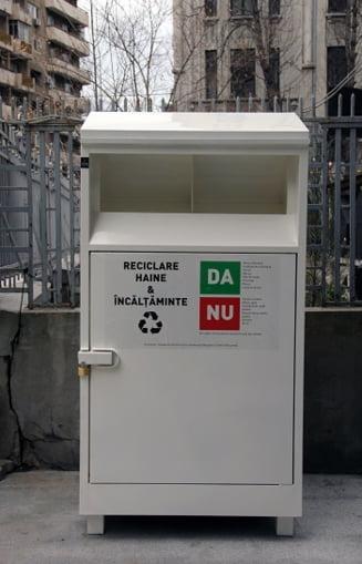 Sa ne reciclam hainele vechi! A aparut primul astfel de container din Bucuresti