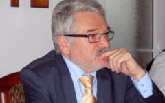 """Sa punem lucrurile la punct: """"Lipitorii de afise"""" din Petrosani nu au muncit pentru """"Lipitorile lui Molot""""!"""