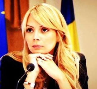 Salariu de europarlamentar - Cat si-au sporit averea Daciana Sarbu, Monica Macovei sau Adina Valean