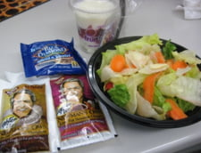 Salatele de vara contin uneori mai multe calorii decat un Big Mac