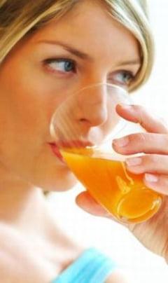 Salmonella la pahar? Jumatate din sucurile naturale sunt contaminate