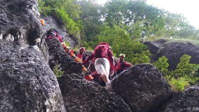 Salvamontistii din Busteni, interventie dificila pentru salvarea unui turist ranit pe Valea Seaca a Crucii