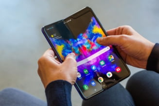 Samsung Galaxy Fold, disponibil in oferta Vodafone!