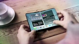 Samsung a prezentat in secret cel mai nou telefon, pe care il impaturesti ca pe hartie