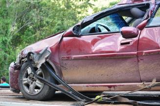 Sapte persoane au fost ranite in urma unei tamponari intre doua autoturisme in Sibiu