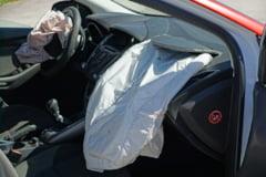Sapte raniti, dupa ce doua masini s-au ciocnit frontal pe un drum national, in Mehedinti