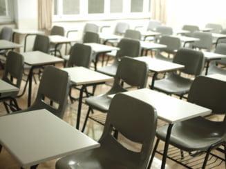 Sapte scoli din Ialomita functioneaza in scenariul rosu din cauza cazurilor de coronavirus