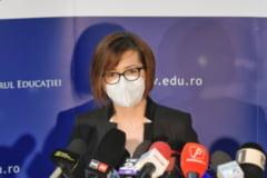 """Sarabanda miniștrilor perindați la Sănătate în plină pandemie: """"E un sistem prost condus"""""""