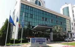 Sarbatoare pentru angajatii Consiliului Judetean Olt: li se maresc salariile