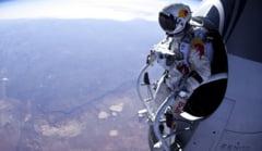 Saritura incredibila cu parasuta de la 20 km inaltime (Video)
