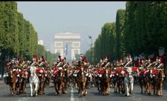 Sarkozy, huiduit la parada de Ziua Frantei