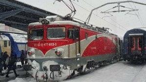 """Sase tampiti din Galati si Tecuci au distrus mai multe locomotive pentru """"fer vechi"""". Au fost arestati preventiv"""