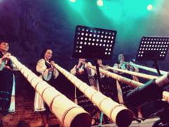 Sase tulnicarese din Tara Motilor vor canta la un festival online pe pagina de Facebook a Institutului Cultural Roman