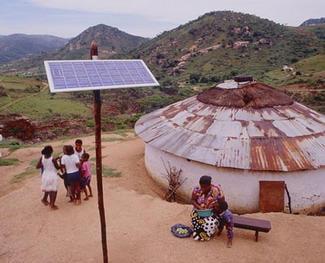Satele din Africa folosesc electricitate pe baza de energie solara