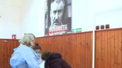 """Satul in care s-a turnat filmul """"Morometii"""" a devenit destinatie de vaccinare. Oamenii vin sa se imunizeze de la sute de kilometri"""