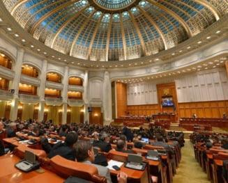 Scandal, injuraturi si amenintari cu bataia in Camera Deputatilor - UPDATE USR a blocat sedinta