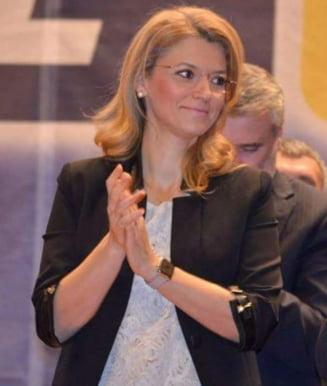 Scandal Manda-Gorghiu in Senat: Va dau in judecata pentru minciuna ordinara