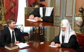 """Scandal in Biserica Ortodoxa Rusa: Ceasul de lux al patriarhului Kiril, """"tratat"""" cu Photoshop"""