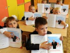 Scandal in Ungaria: Statul vrea sa puna monopol pe manualele scolare
