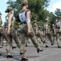 Scandal in armata Ucrainei dupa o parada militara in care femeile defileaza pe tocuri