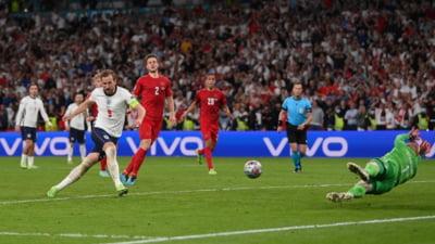 """Scandal in direct, la tv, intre Piturca si Marica: Eu cred ca a fost penalty pentru Anglia ca l-a dat arbitrul."""" / """"Nu l-a atins. Unde sa-l atinga"""""""