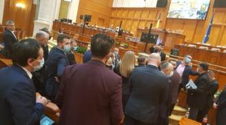 """Scandal in parlament, provocat de AUR. Simion: """"Tu sa taci!"""""""