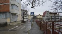 Scandal intre primarie, o scoala si locatarii unui bloc din cartierul CUG. Cetatenii acuza primaria de indiferenta - FOTO