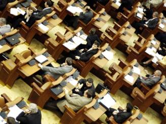 Scandal la Camera Deputatilor: Opozitia pleaca din nou din sala